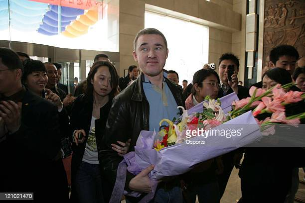 Scotland's Stephen Hendry arrives in Xi'an airport in China om March 22 2007 Hendry is in to play in The World Snooker China Open to be held from 26t...