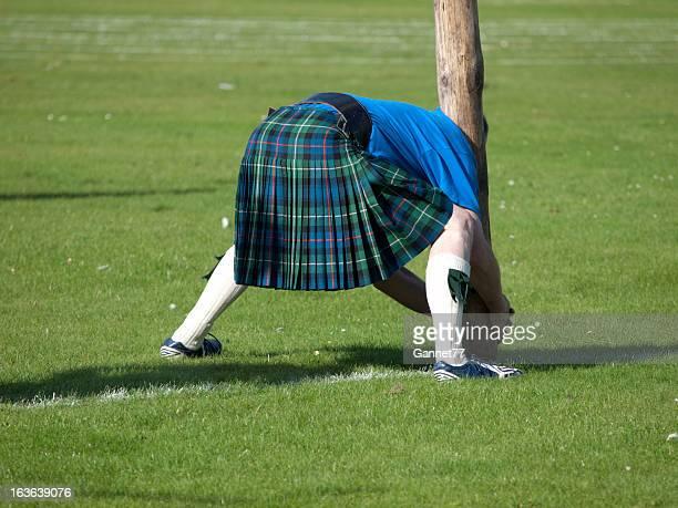 Scotsman préparer un tronc rejetés en arrière