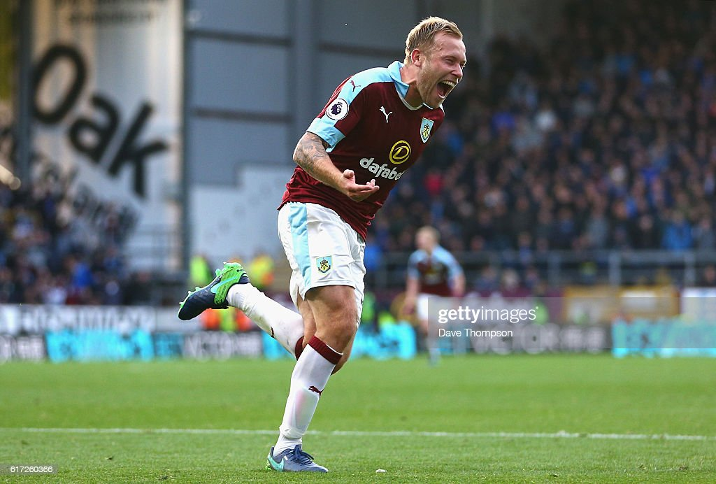 Scott Arfield of Burnley celebrates scoring his team's second goal during the Premier League match between Burnley and Everton at Turf Moor on October 22, 2016 in Burnley, England.