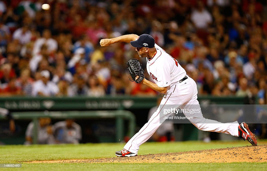 <a gi-track='captionPersonalityLinkClicked' href=/galleries/search?phrase=Scott+Atchison&family=editorial&specificpeople=834059 ng-click='$event.stopPropagation()'>Scott Atchison</a> #48 of the Boston Red Sox pitches against the New York Yankees during the game on July 8, 2012 at Fenway Park in Boston, Massachusetts.