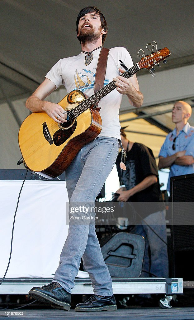 Scott Avett of <a gi-track='captionPersonalityLinkClicked' href=/galleries/search?phrase=The+Avett+Brothers&family=editorial&specificpeople=4270503 ng-click='$event.stopPropagation()'>The Avett Brothers</a> performs during day 1 of the 2011 New Orleans Jazz & Heritage Festival>> at the Fair Grounds Race Course on April 29, 2011 in New Orleans, Louisiana.