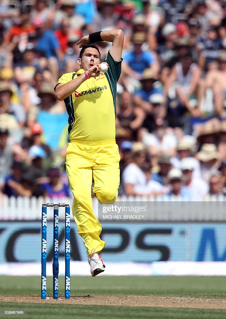 Scott Boland of Australia bowls during the third one-day international cricket match between New Zealand and Australia at Seddon Park in Hamilton on February 8, 2016. AFP PHOTO / MICHAEL BRADLEY / AFP / MICHAEL BRADLEY