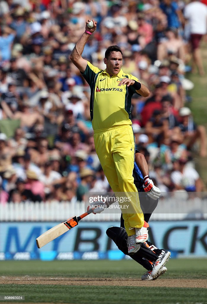 Scott Boland of Australia fields off his own bowling during the third one-day international cricket match between New Zealand and Australia at Seddon Park in Hamilton on February 8, 2016.   AFP PHOTO / MICHAEL BRADLEY / AFP / MICHAEL BRADLEY