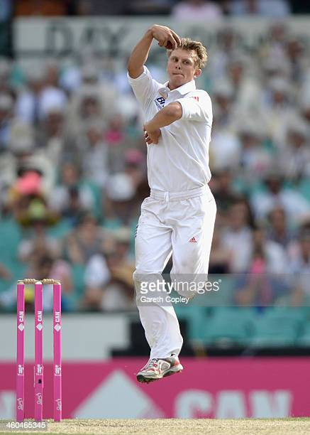 Scott Borthwick of England bats during day two of the Fifth Ashes Test match between Australia and England at Sydney Cricket Ground on January 4 2014...