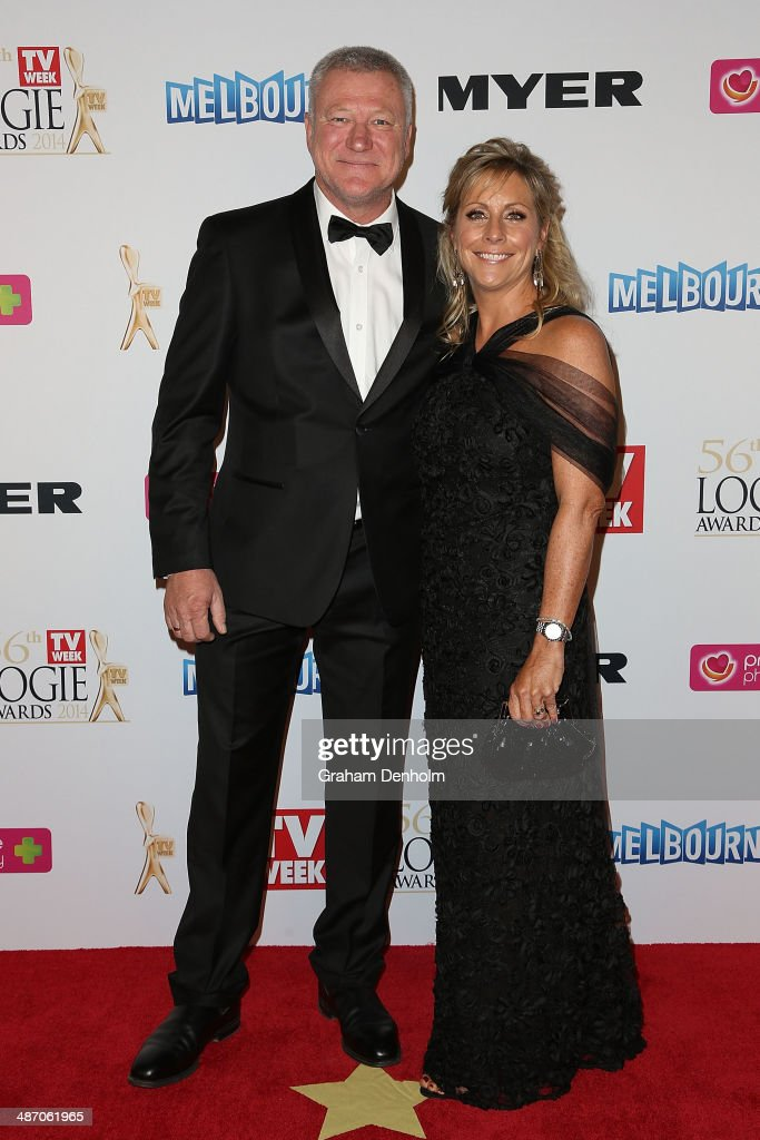 <a gi-track='captionPersonalityLinkClicked' href=/galleries/search?phrase=Scott+Cam&family=editorial&specificpeople=236121 ng-click='$event.stopPropagation()'>Scott Cam</a> and his wife arrive at the 2014 Logie Awards at Crown Palladium on April 27, 2014 in Melbourne, Australia.
