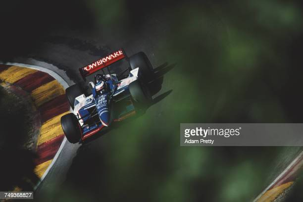 Scott Dixon of New Zealand drives the PacWest Racing Reynard 01i Toyota RV8F during the Championship Auto Racing Teams 2001 FedEx Championship Series...