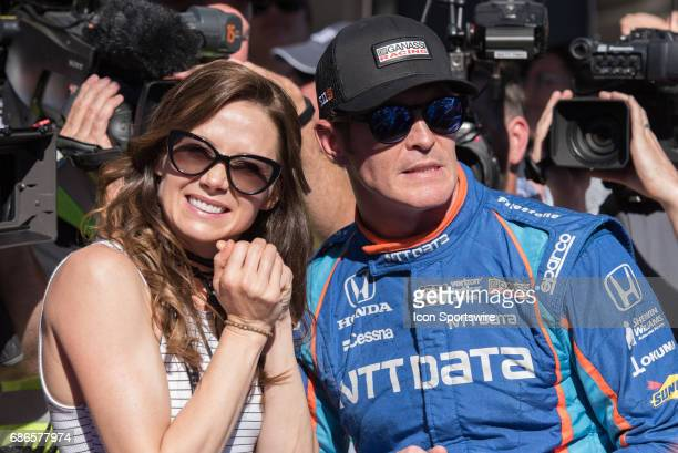 Scott Dixon stressing with his wife Emma during the last qualification run on the second day of qualifications for the 101st Indianapolis on May 21...