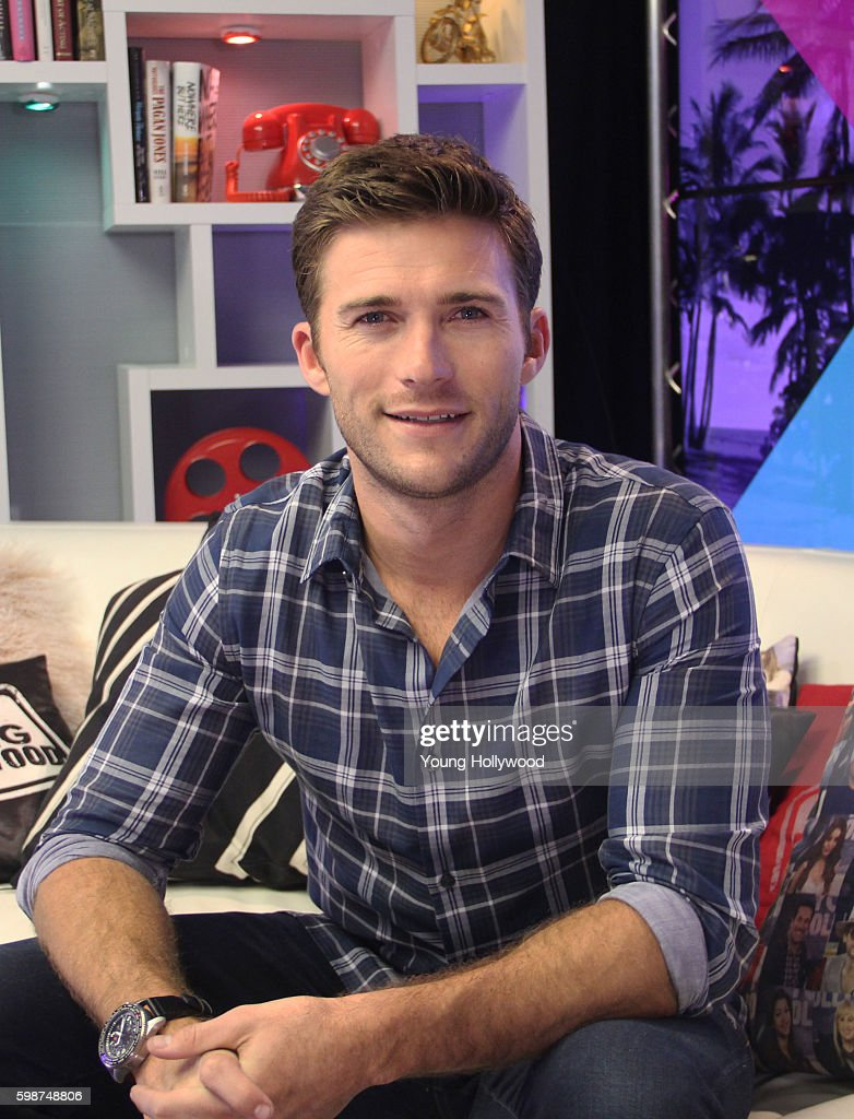 Scott Eastwood Visits Young Hollywood Studio