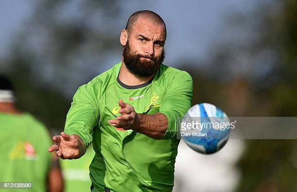 Scott Fardy of Australia releases a pass during an Australia training session at the Lensbury Hotel on October 4 2016 in London United Kingdom