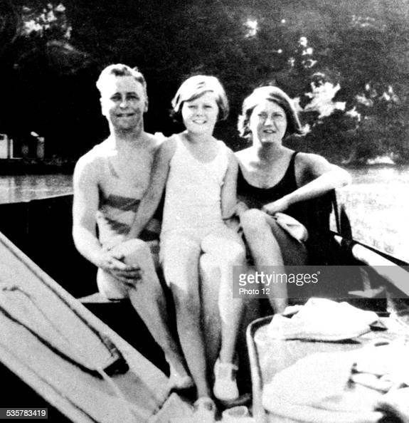 Scott Fitzgerald Zelda and Scottie at Annecy France