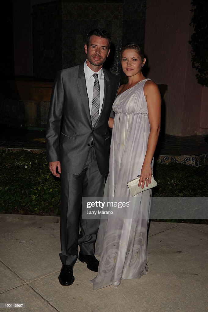 <a gi-track='captionPersonalityLinkClicked' href=/galleries/search?phrase=Scott+Foley&family=editorial&specificpeople=615795 ng-click='$event.stopPropagation()'>Scott Foley</a> and <a gi-track='captionPersonalityLinkClicked' href=/galleries/search?phrase=Marika+Dominczyk&family=editorial&specificpeople=797591 ng-click='$event.stopPropagation()'>Marika Dominczyk</a> arrive at the 2013 Chris Evert Pro-Celebrity Tennis Classic Gala at Boca Raton Resort on November 16, 2013 in Boca Raton, Florida.