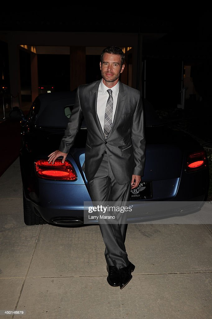 <a gi-track='captionPersonalityLinkClicked' href=/galleries/search?phrase=Scott+Foley&family=editorial&specificpeople=615795 ng-click='$event.stopPropagation()'>Scott Foley</a> arrives at the 2013 Chris Evert Pro-Celebrity Tennis Classic Gala at Boca Raton Resort on November 16, 2013 in Boca Raton, Florida.