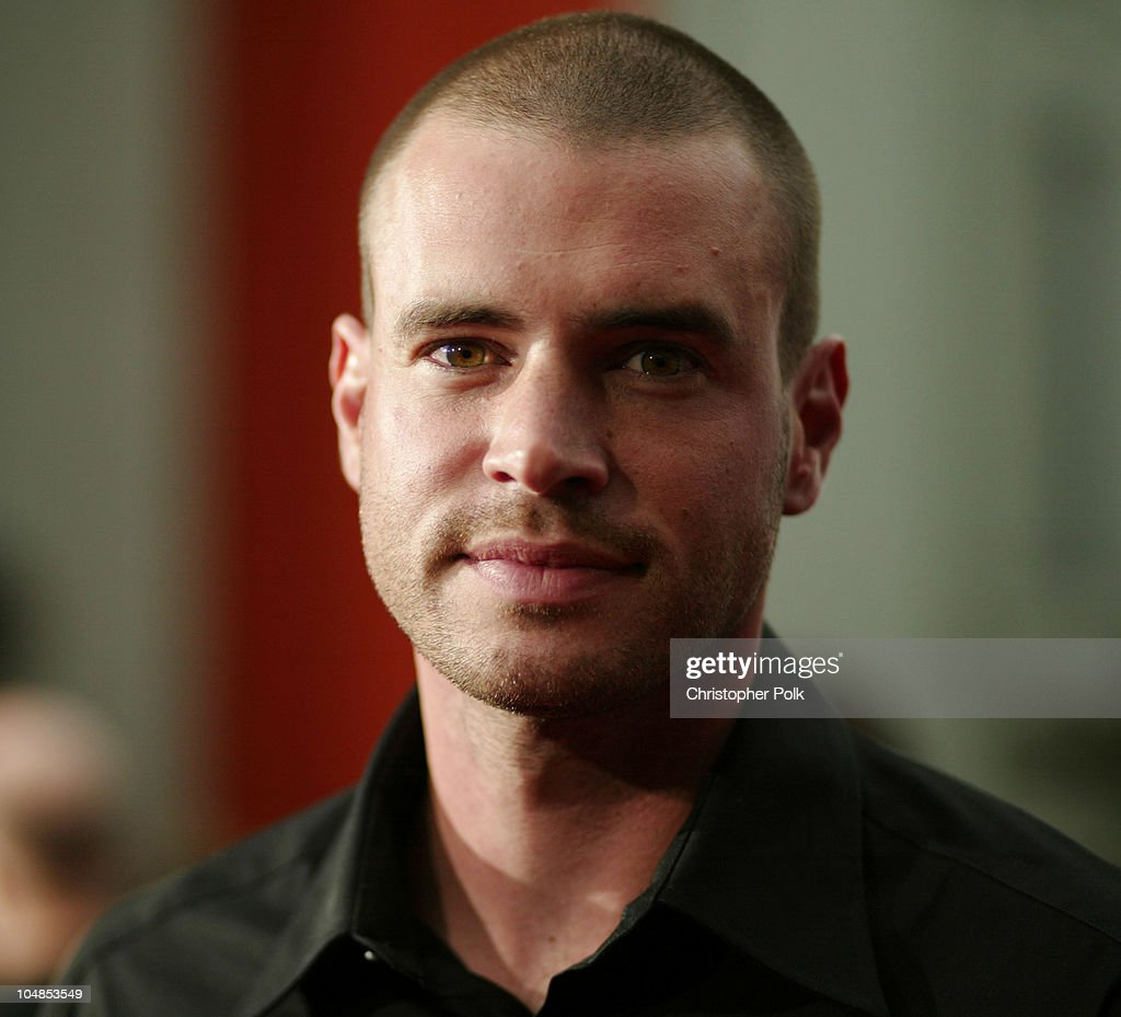 Scott Foley during Premiere of 'Charlie's Angels Full Throttle' at Grauman's Chinese Theatre in Hollywood California United States