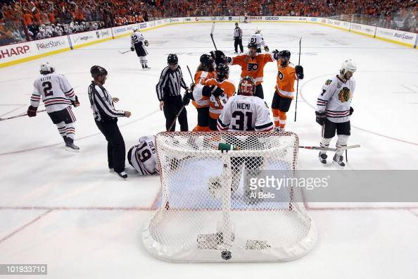 Scott Hartnell of the Philadelphia Flyers celebrates after scoring a goal in the third period against Antti Niemi of the Chicago Blackhawks in Game...