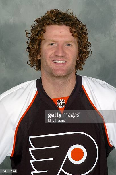 Scott Hartnell of the Philadelphia Flyers poses for his official headshot for the 20082009 NHL season