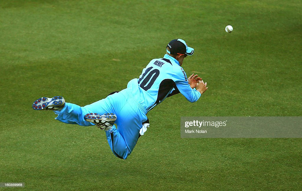 Scott Henry of the Blues drops a catch in the outfield during the Ryobi One Day Cup match between the New South Wales Blues and the Western Australia Warriors at Sydney Cricket Ground on January 30, 2013 in Sydney, Australia.