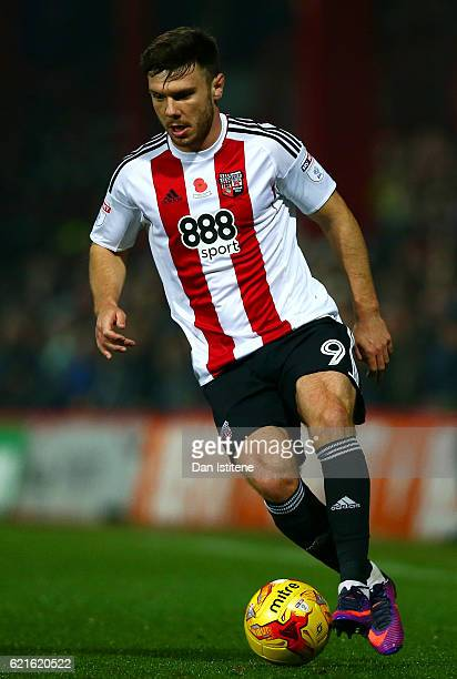 Scott Hogan of Brentford in actiion during the Sky Bet Championship match between Brentford and Fulham at Griffin Park on November 4 2016 in...