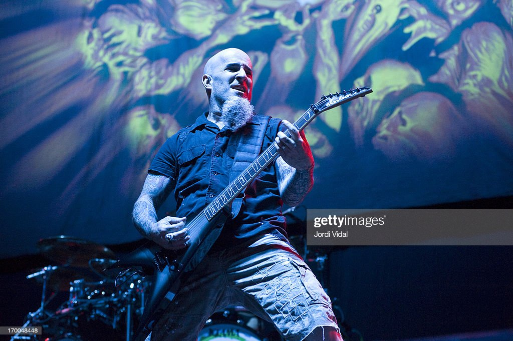 <a gi-track='captionPersonalityLinkClicked' href=/galleries/search?phrase=Scott+Ian&family=editorial&specificpeople=208132 ng-click='$event.stopPropagation()'>Scott Ian</a> of Anthrax performs on stage at Sonisphere Festival 2013 at Parc Del Forum on June 1, 2013 in Barcelona, Spain.