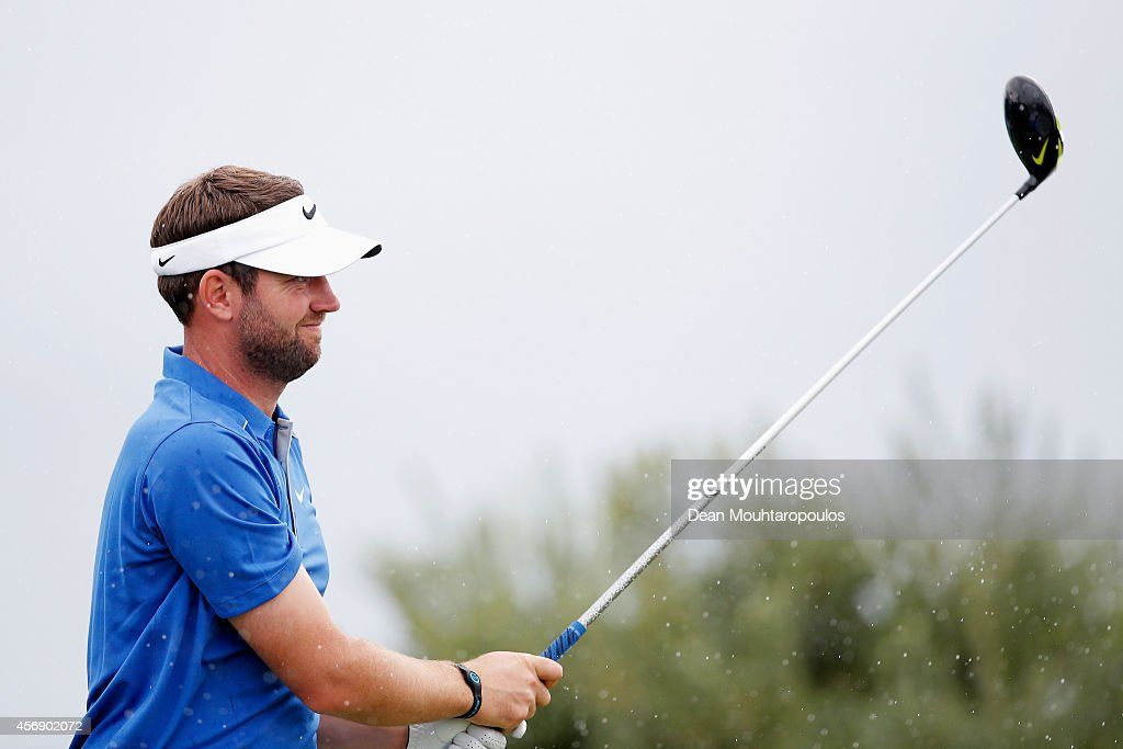 Scott Jamieson of Scotland hits his tee shot on the 1st hole during Day 1 of the Portugal Masters held at the Oceanico Victoria Golf Course on...