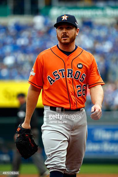Scott Kazmir of the Houston Astros walks back to the dugout after closing out the first inning against the Kansas City Royals during game two of the...
