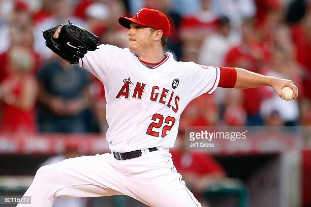 Scott Kazmir of the Los Angeles Angels of Anaheim pitches against the New York Yankees in Game Four of the ALCS during the 2009 MLB Playoffs at Angel...