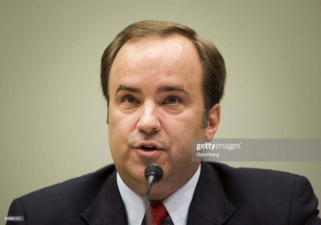 Scott McClellan, former press secretary for U.S. President George W. Bush, testifies at a House Judiciary Committee hearing in Washington, D.C., U.S., on Friday, June 20, 2008. McClellan told lawmakers he doesn't know whether Vice President Dick Cheney or other government officials committed a crime in connection with the leak of a CIA operative's identity.