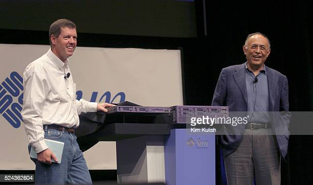 Scott McNealy Chairman President and chief executive of Sun Microsystems and Hector Ruiz President and CEO of Advanced Micro Devices unveil new...