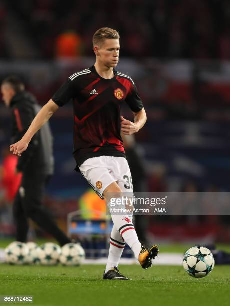 Scott McTominay of Manchester United warms up prior to the UEFA Champions League group A match between Manchester United and SL Benfica at Old...