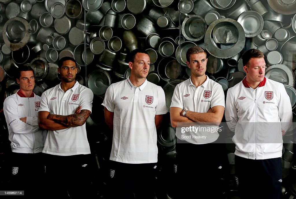 Scott Parker, <a gi-track='captionPersonalityLinkClicked' href=/galleries/search?phrase=Glen+Johnson&family=editorial&specificpeople=209192 ng-click='$event.stopPropagation()'>Glen Johnson</a>, <a gi-track='captionPersonalityLinkClicked' href=/galleries/search?phrase=John+Terry&family=editorial&specificpeople=171535 ng-click='$event.stopPropagation()'>John Terry</a>, <a gi-track='captionPersonalityLinkClicked' href=/galleries/search?phrase=Jordan+Henderson+-+Soccer+Player&family=editorial&specificpeople=4940390 ng-click='$event.stopPropagation()'>Jordan Henderson</a> and Phil Jones during a visit by an England Football Association delegation to the Schindler Factory, ahead of Euro 2012, on June 8, 2012 in Oswiecim, Poland.