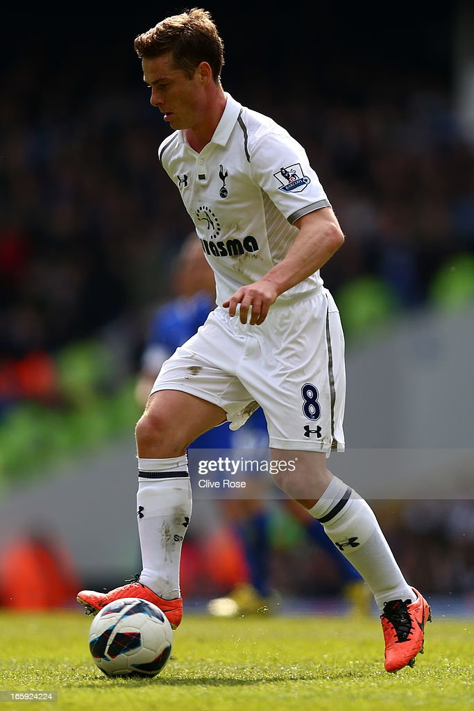 Scott Parker of Tottenham Hotspur on the ball during the Barclays Premier League match between Tottenham Hotspur and Everton at White Hart Lane on April 7, 2013 in London, England.