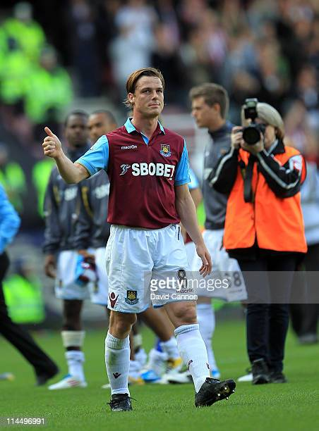 Scott Parker of West Ham United leaves the pitch at the end of the game during the Barclays Premier League match between West Ham United and...