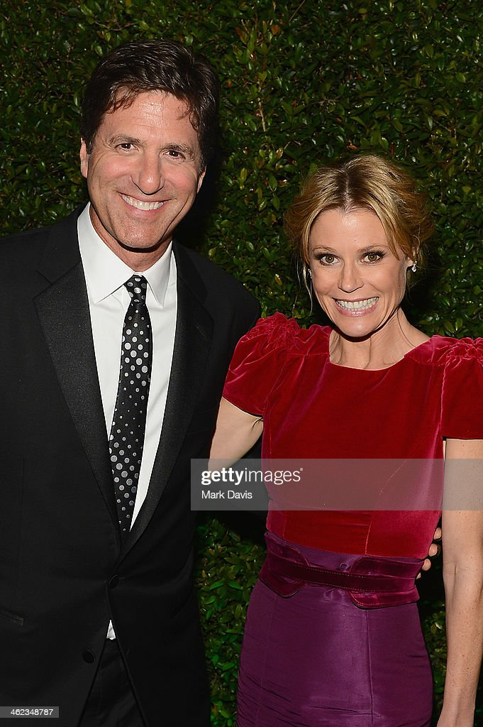Scott Phillips and actress <a gi-track='captionPersonalityLinkClicked' href=/galleries/search?phrase=Julie+Bowen&family=editorial&specificpeople=244057 ng-click='$event.stopPropagation()'>Julie Bowen</a> attend the Fox And FX's 2014 Golden Globe Awards Party on January 12, 2014 in Beverly Hills, California.