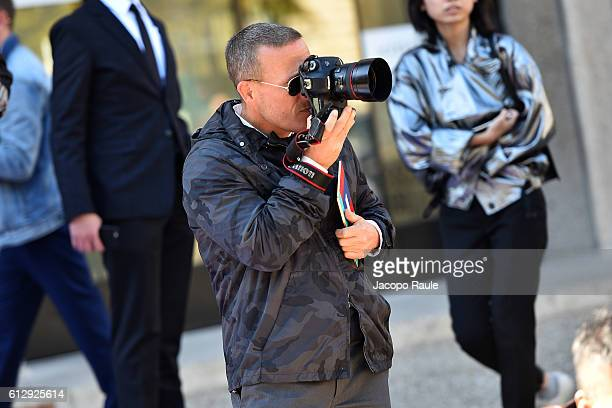 Scott Schuman is seen arriving at Miu Miu Fashion show during Paris Fashion Week Spring/Summer 2017 on October 5 2016 in Paris France