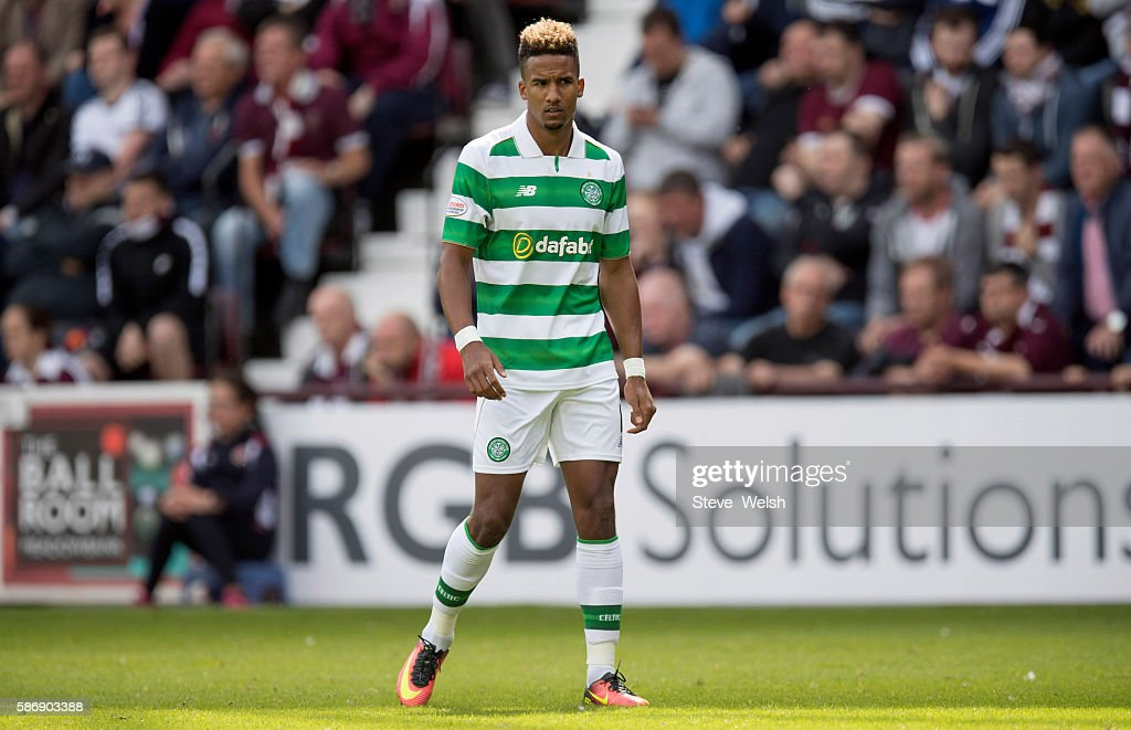 Scott Sinclair makes his first appearance for Celtic during the Ladbrokes Scottish Premiership match between Hearts and Celtic on August 7, 2016 in Glasgow, Edinburgh.