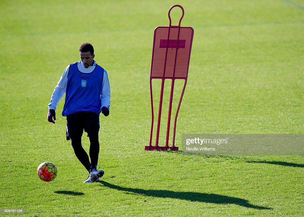 <a gi-track='captionPersonalityLinkClicked' href=/galleries/search?phrase=Scott+Sinclair&family=editorial&specificpeople=4158957 ng-click='$event.stopPropagation()'>Scott Sinclair</a> of Aston Villa in action during a Aston Villa training session at the club's training ground at Bodymoor Heath on February 12, 2016 in Birmingham, England.