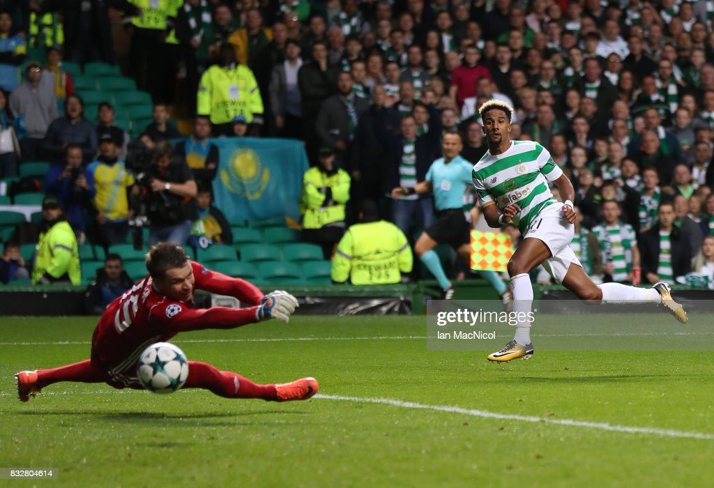 Scott Sinclair of Celtic scores his team's second goal during the UEFA Champions League Qualifying Play-Offs Round First Leg match between Celtic FC and FK Astana at Celtic Park on August 16, 2017 in Glasgow, United Kingdom.
