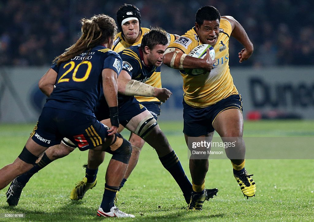 <a gi-track='captionPersonalityLinkClicked' href=/galleries/search?phrase=Scott+Sio&family=editorial&specificpeople=6589858 ng-click='$event.stopPropagation()'>Scott Sio</a> (R) of the Brumbiesmakes a break during the Super Rugby round ten match between the Highlanders and Brumbies at Rugby Park on April 30, 2016 in Invercargill, New Zealand.