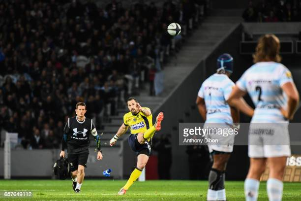 Scott Spedding of Clermont during the Top 14 match between Racing 92 and Clermont Auvergne at Stade PierreMauroy on March 25 2017 in Lille France