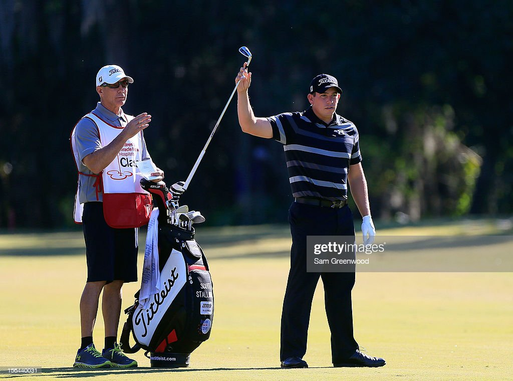 <a gi-track='captionPersonalityLinkClicked' href=/galleries/search?phrase=Scott+Stallings&family=editorial&specificpeople=6660711 ng-click='$event.stopPropagation()'>Scott Stallings</a> plays a shot on the 18th hole during the second round of the Children's Miracle Network Hospitals Classic at the Disney Palm and Magnolia course on November 9, 2012 in Lake Buena Vista, Florida.