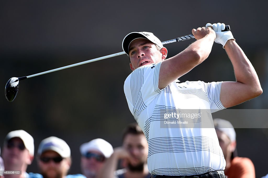 Scott Stallings plays his tee shot on the 14th hole during the final round of the Farmers Insurance Open at Torrey Pines South on February 8 2015 in...