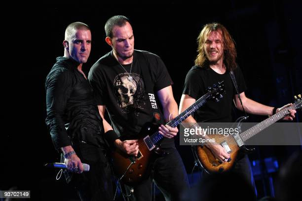 Scott Stapp Mark Tremonti and Eric Friedman of Creed perform at the Cynthia Woods Mitchell Pavilion on September 25 2009 in The Woodlands Texas