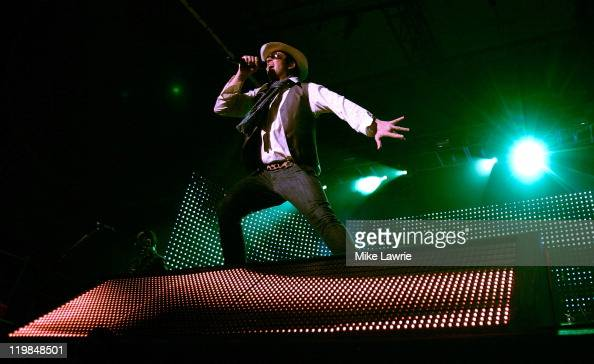 Scott Weiland of Stone Temple Pilots performs at the Williamsburg Waterfront on July 25 2011 in New York City