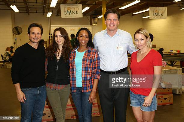 Scott Wolf Troian Bellisario Anika Noni Rose Los Angeles Regional Food Bank CEO Michael Flood and Jennie Garth attend the 'Hope for the Holidays'...