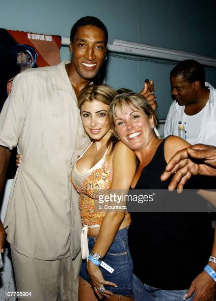 Scottie Pippen and Larissa Pippen with Denise George of Jive Records
