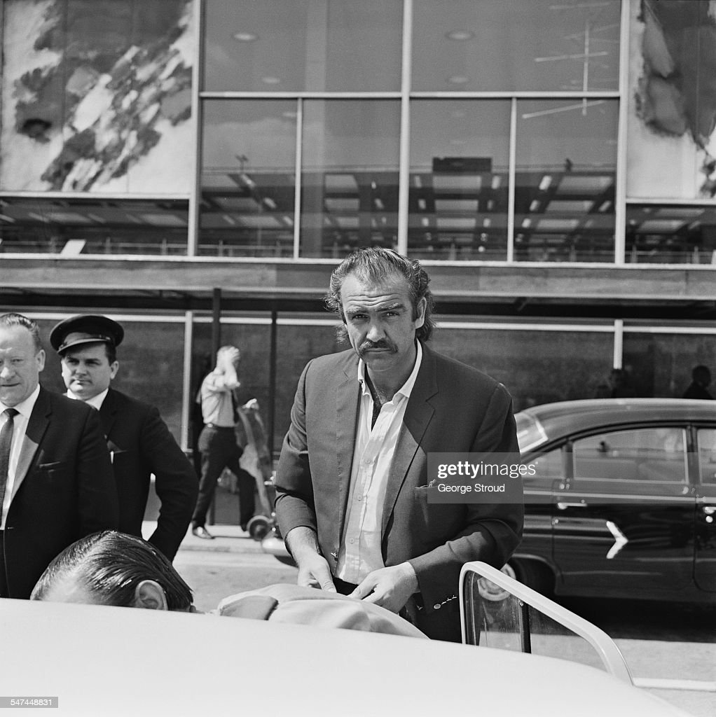 Scottish actor <a gi-track='captionPersonalityLinkClicked' href=/galleries/search?phrase=Sean+Connery&family=editorial&specificpeople=201589 ng-click='$event.stopPropagation()'>Sean Connery</a> arriving at London Airport, 30th June 1967.