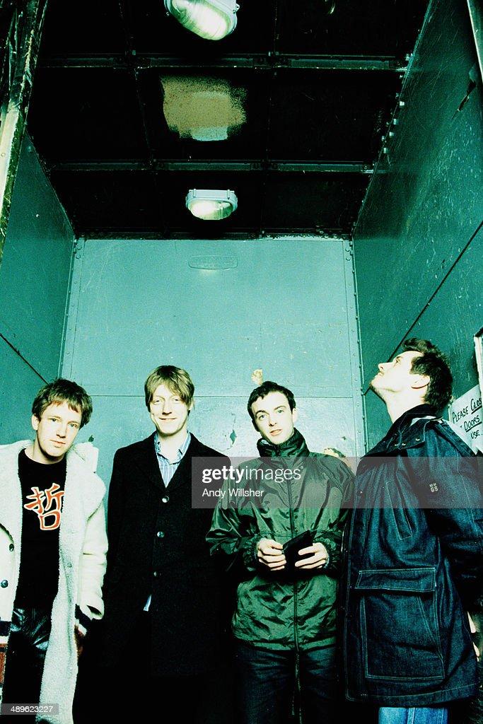 Scottish alternative rock group Travis circa 2001 Left to right guitarist Andy Dunlop bassist Dougie Payne singer Fran Healy and drummer Neil Primrose