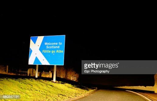 Scottish limite à noite : Foto de stock