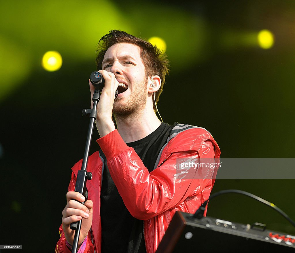 Scottish electronic musician Calvin Harris performs during the second day of the music festival in Hyde Park, Central London on July 5, 2009. AFP PHOTO/Ben Stansall
