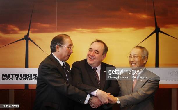 Scottish first Minister Alex Salmond with Akio Fukui CEO of Mitsubishi Power Systems Europe and Atsushi Maekawa Vice President of Mitsubishi Heavy...