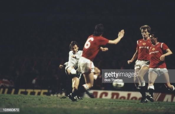 Scottish footballer Paul Sturrock of Dundee United takes a shot during the UEFA Cup 3rd Round first leg against Manchester United FC at Old Trafford...